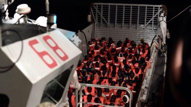 Inmigrantes rescatados por el Aquarius. Foto: Karpov / SOS Mediterranée