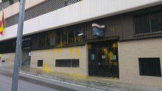 Comisaría de Tarrasa atacada. (UIP)
