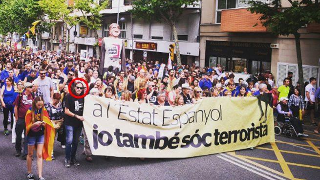 El terrorista Fredi Bentanachs encabezando la manifestación de los CDR en Esplugas