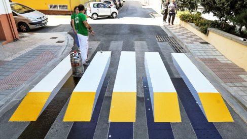 Paso de peatones 3D en Almussafes, Valencia. (Foto: EFE)