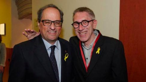 Agustí Colomines con el presidente inhabilitado Quim Torra.