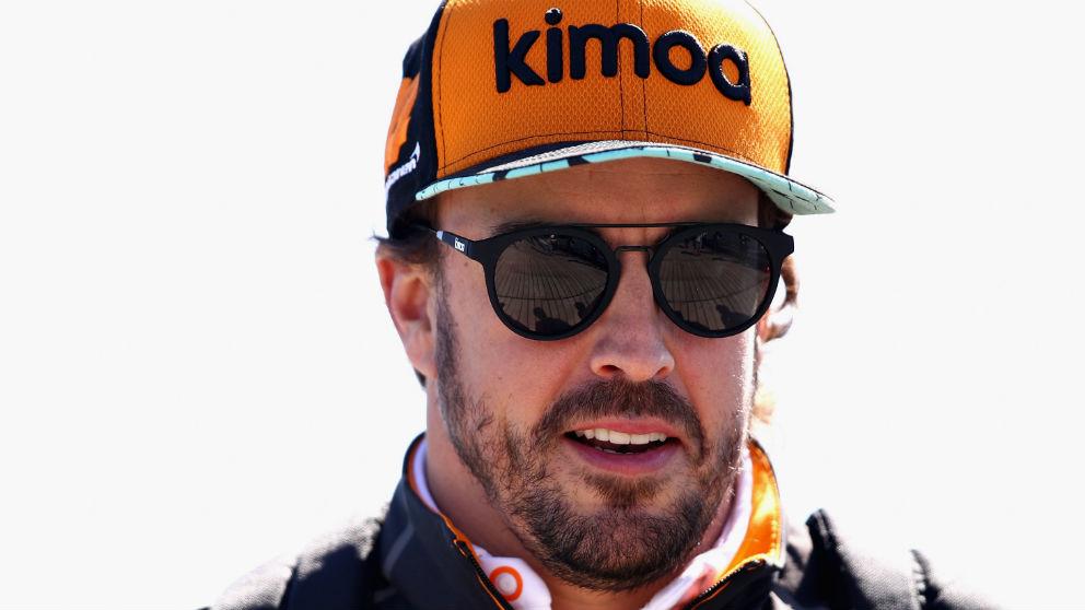Zak Brown es consciente de que Fernando Alonso está sopesando abandonar la Fórmula 1, aunque desde McLaren quieren mantener la relación con el piloto español sea en ésta o en otra categoría. (getty)