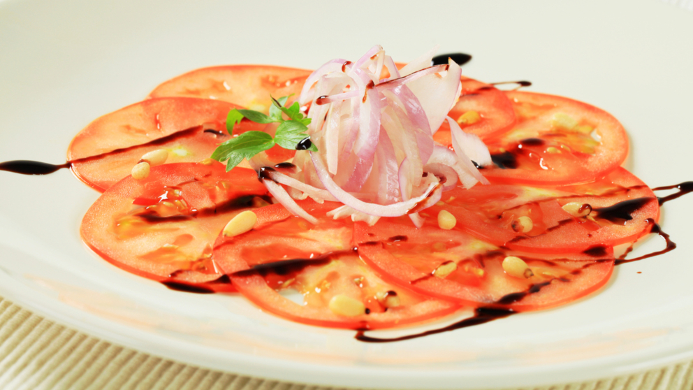 Receta de Carpaccio de tomate con almendras
