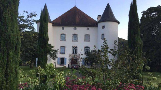 Podemos ayuda a Bildu a comprar un castillo en Francia por medio de una asociación afín y con dinero público