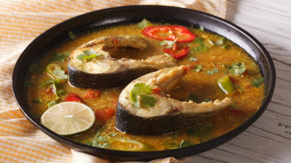 Receta de merluza en salsa de azafrán fácil de preparar