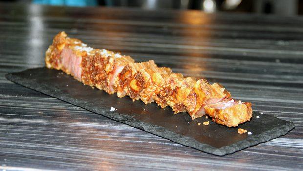 Uno de los platos estrella de El Viejo Chamartín son los auténticos torreznos de Soria.