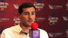 Casillas, ante un micrófono de la Televisión Azteca.