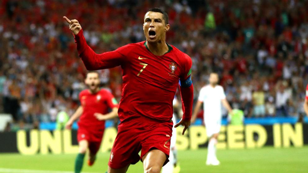 Cristiano celebra un gol con Portugal.