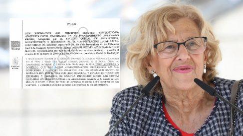 La alcaldesa con la sentencia. (Foto. EP)