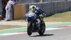 Valentino Rossi ha empezado mandando en el Gran Premio de Cataluña de MotoGP, marcando un tiempo tres décimas mejor que su más inmediato perseguidor. (Getty)