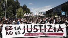 Manifestación en Pamplona a favor de los matones de Alsasua, promovida por Podemos, los proetaras de Bildu y el Gobierno nacionalista navarro de Uxue Barcos. (EFE)
