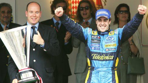 A Fernando Alonso ya sólo le queda ganar las 500 millas de Indianápolis para la Triple Corona. (AFP)