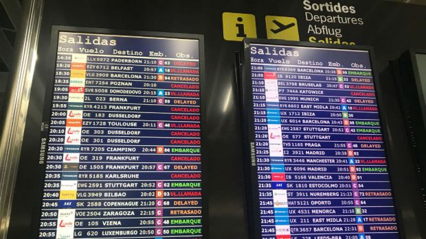 Caos en el aeropuerto de Palma con más de diez vuelos cancelados y once retrasados
