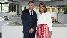 Jordi Nicolau, Director Territorial de CaixaBank en Barcelona, i Blanca Sorigué, Directora General del CZFB y de Barcelona Meeting Point