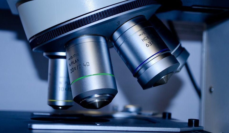 Las implicaciones éticas en la investigación científico, un tema controvertido.