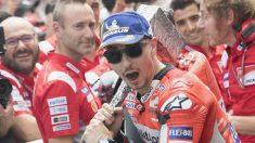 Aunque se encuentra a 49 puntos de distancia del liderato, Jorge Lorenzo todavía puede pelear por ser campeón del mundo este año con la Ducati. (Getty)