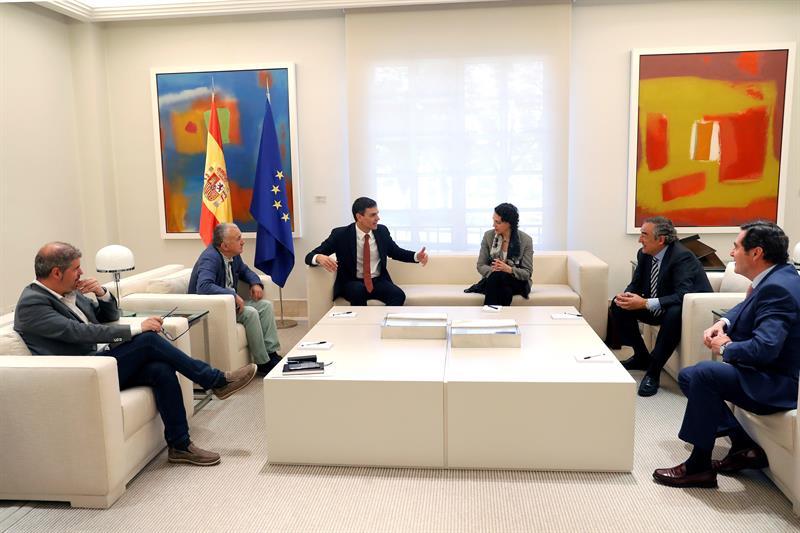 Reunión de Pedro Sánchez con sindicatos y patronal, el pasado junio.