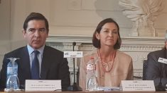 Torres Vila, CEO de BBVA, y Reyes Maroto, ministra de Industria.