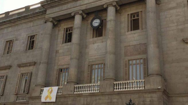 Colau rechaza colocar el lazo azul en homenaje a las víctimas del atentado de Hipercor