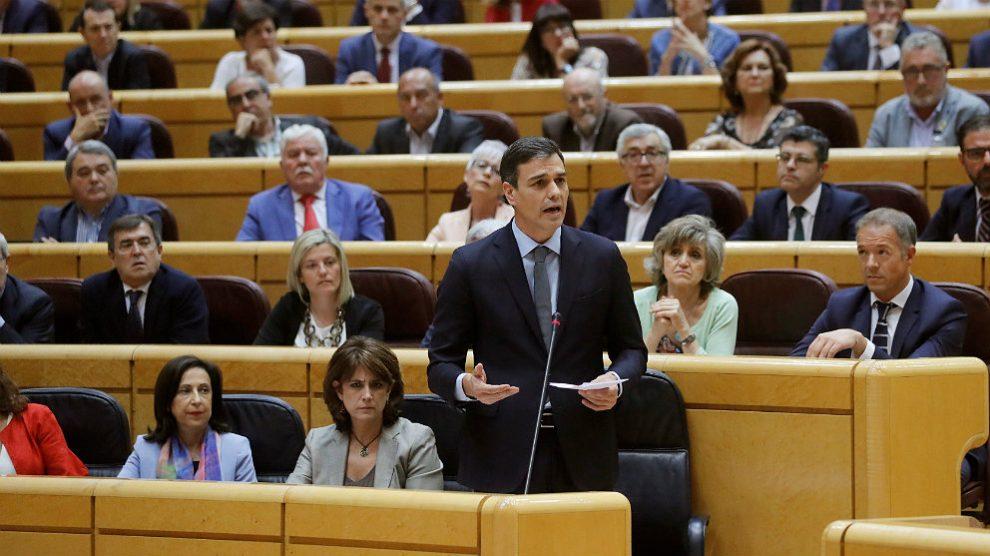 Pedro Sánchez, en su primera sesión de control en el Senado. (EFE)