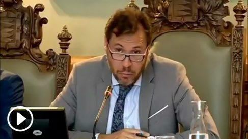 El alcalde socialista de Valladolid, Óscar Puente, se burla de una edil de Ciudadanos por haber trabajado de dependienta