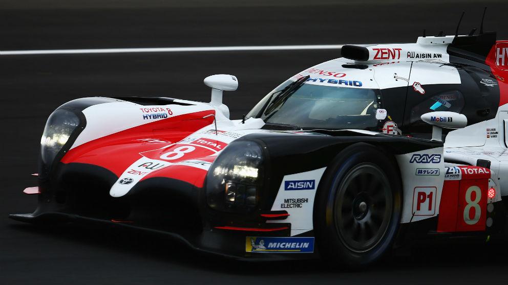 El ritmo de carrera de Fernando Alonso en Le Mans fue el mejor de todos, demostrando que el español es insuperable cuando de enlazar vuelta rápida tras vuelta rápida se trata. (Getty)