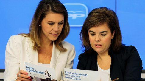 Dolores de Cospedal y Soraya Saénz de Santamaría, en imagen de archivo. (Foto. PP)