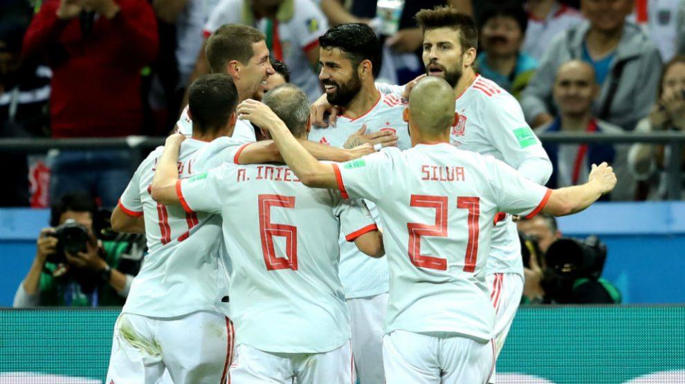 Los jugadores de España celebran el gol de Diego Costa (Getty)   Clasificación Mundial 2018