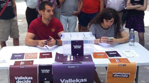 Presentación de las urnas de Vallekas Decide. (Foto. EP)