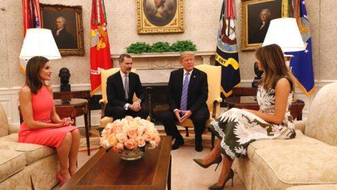Los Reyes Felipe VI y Letizia, junto al presidente de Estados Unidos, Donald Trump, y la primera dama, Melania Trump