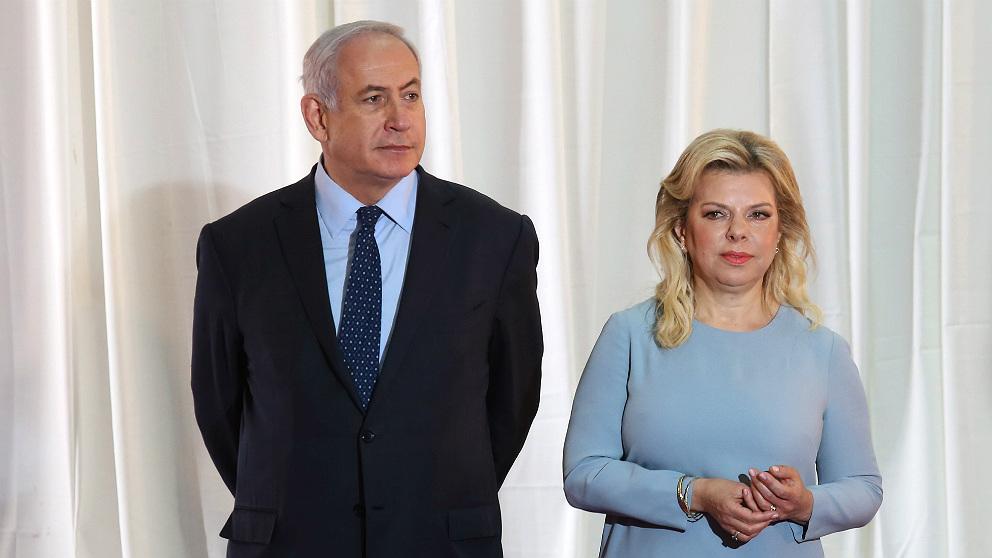 Benjamin Netanyahu y su esposa Sara, en un acto oficial. (AFP)