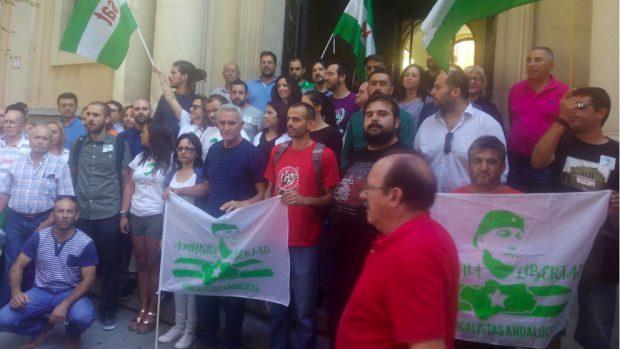 Dos diputados de Podemos cargaron al Congreso ocho viajes de tren para apoyar al delincuente Bódalo