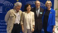 Javier Nart (C's), Izaskun Bilbao (PNV),  Irwin Cotler y Beatriz Becerra (ind), en el Parlamento Europeo.