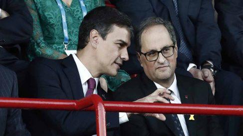 Quim Torra junto a Pedro Sánchez. Foto: EFE