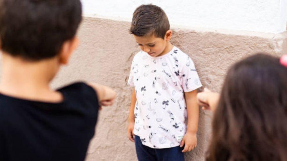 Cómo ayudar a tu hijo si sufre acoso escolar paso a paso