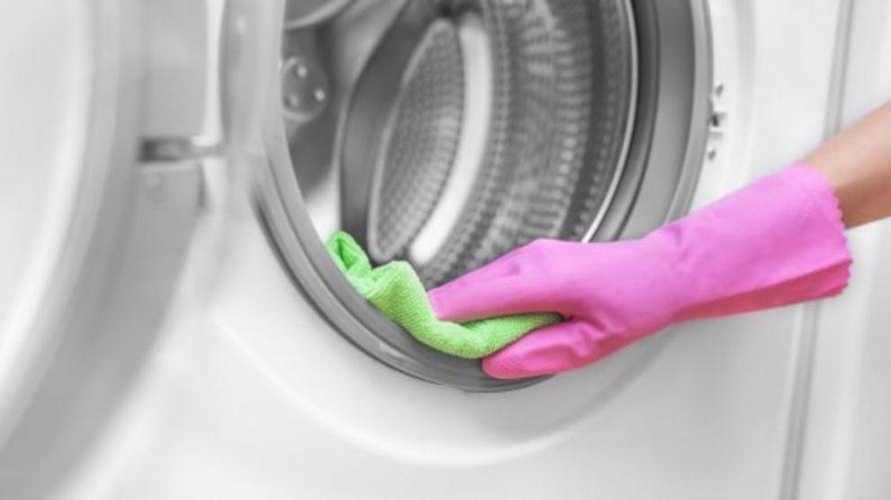 Aprende cómo limpiar la goma de la lavadora