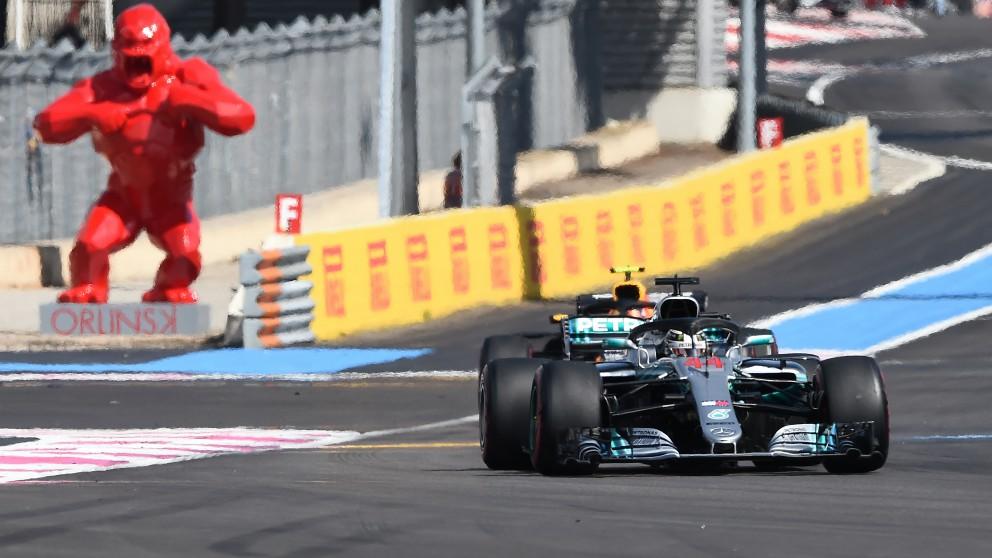 Hamilton rueda en cabeza en el GP de Francia de Fórmula 1. (AFP)