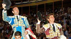 Ponce y el Juli salen a hombros este domingo en Alicante (Foto: Efe).