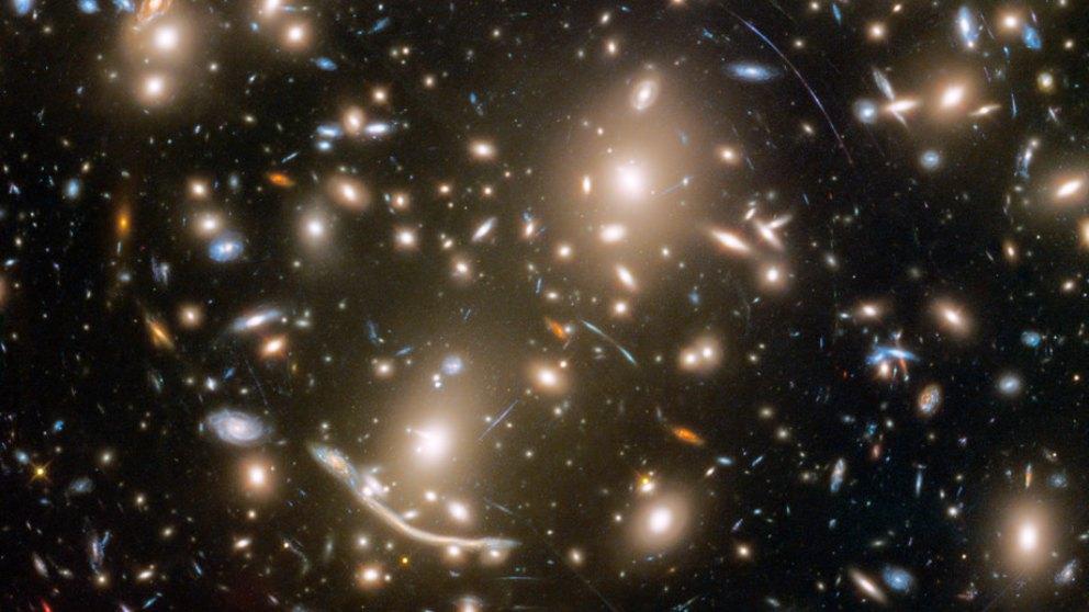 La teoría de la relatividad general de Albert Einstein confirmada más allá de la Vía Láctea