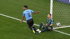 Luis Suárez celebra su gol a Rusia. (Getty)