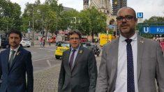 Carles Puigdemont, con Miquel Buch, en Alemania.