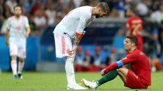 Sergio Ramos charla con Cristiano durante el España – Portugal. (Getty)