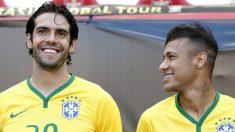 Kaká posa junto a Neymar en una convocatoria de la selección de Brasil.