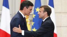 Pedro Sánchez y Emmanuel Macron. (Foto: AFP)