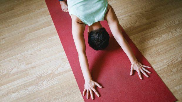 4 posturas de yoga para evitar el insomnio