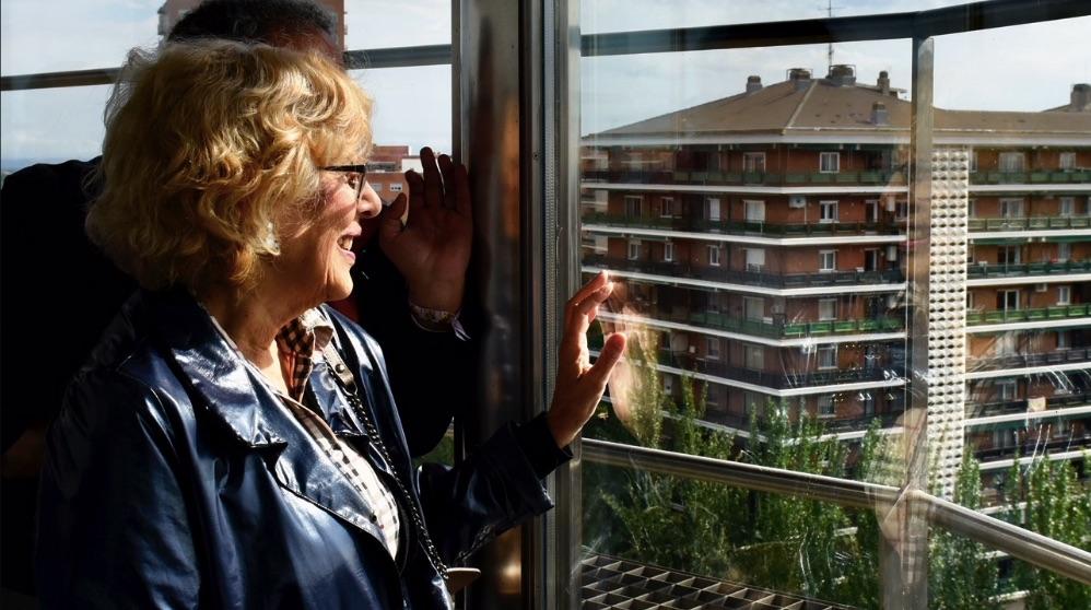 Manuela Carmena en un mirador de Madrid. (Foto. Madrid)