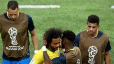 Marcelo es consolado por sus compañeros. (Getty)