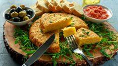 Receta de tortilla de patatas y pimientos un clásico ideal