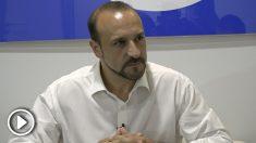Elio Cabanes durante la entrevista con OKDIARIO