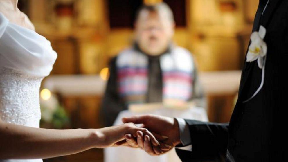 ¿Qué debes hacer para solicitar una partida de bautismo?